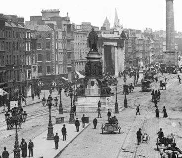 O'Connell Bridge and Sackville Street, Dublin 1890 / Photo: National Library of Ireland on The Commons
