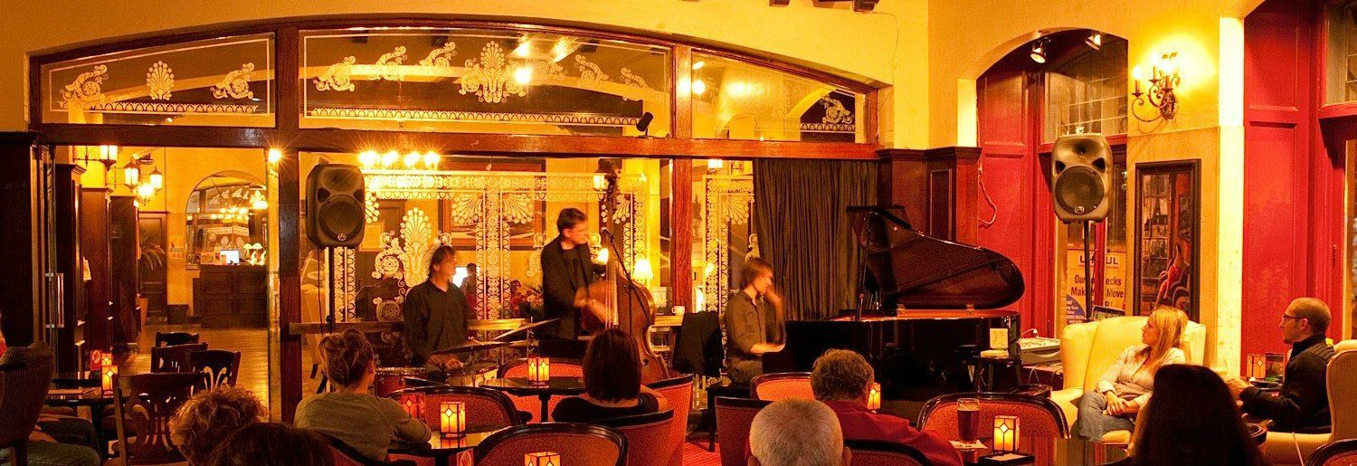 Jazz Session at the Clarendon Bar