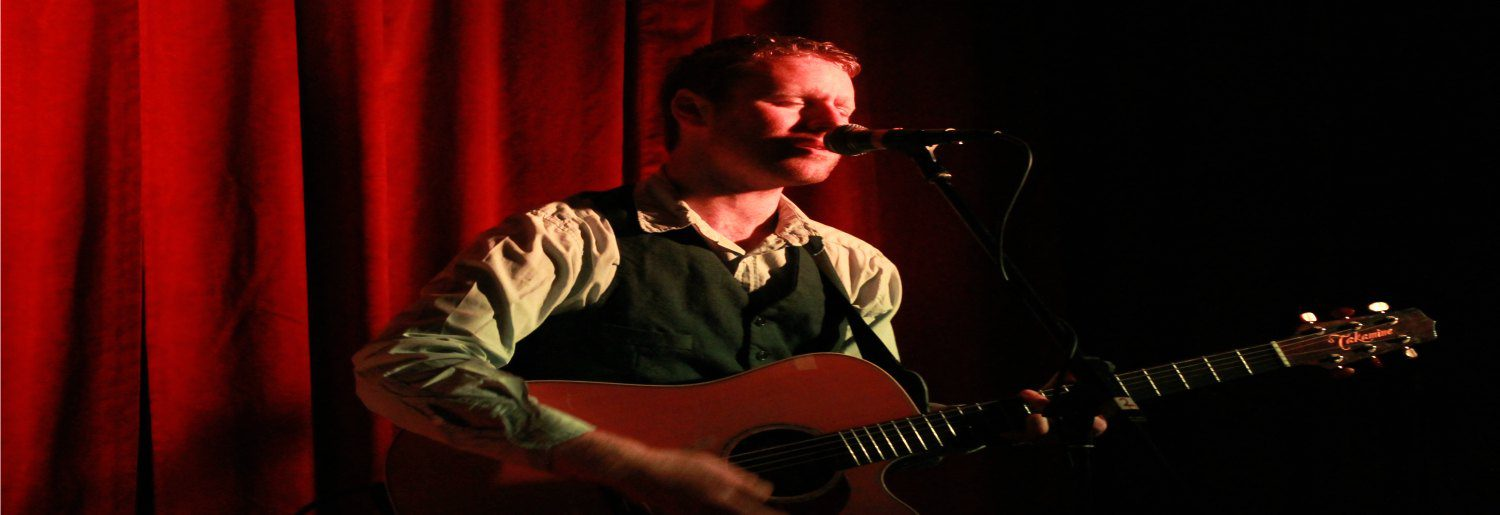 Fiach Moriarty hosts youbloom at The Bankers Bar