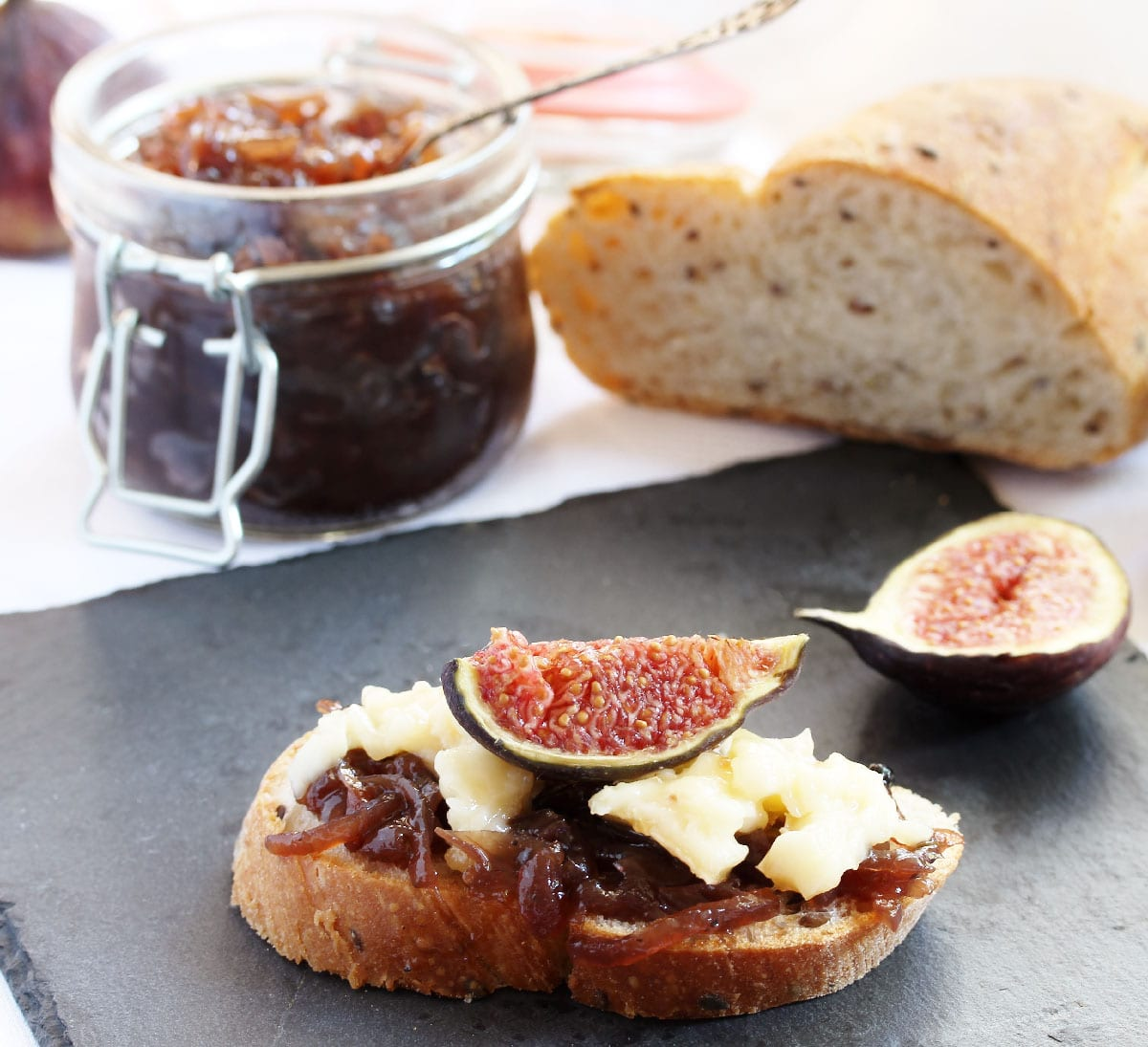 A,Bruschetta,Sandwich,With,Onion,Confiture,And,Camembert,Cream,Cheese