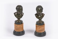 9126 - 19th Century Pair of Bronze Sculptured Tabletop Busts of Babies