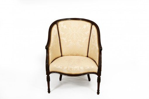 Early 19th Century George III Mahogany Hepplewhite Tub Chair