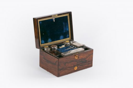 10414 - Early 19th Century George III Dressing Case