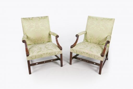 10519 - 18th Century George III Pair of Gainsborough Chairs