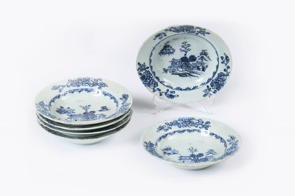 10163 – Early 19th Century Jiaqing Qing Dynasty Set of Six Blue and White Nanjing Porcelain Dishes
